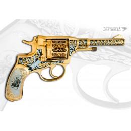 """Револьвер """"Буденовец"""""""